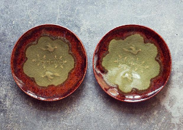 愛知県瀬戸市の林健二さんによる飴釉の小皿