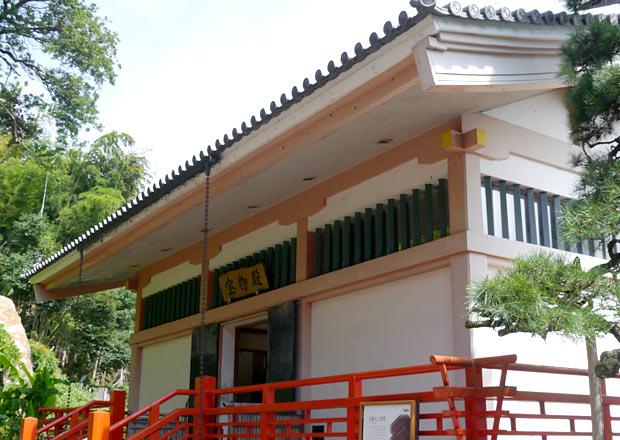 竹生島の宝物殿