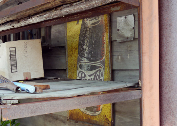 古いペプシコーラの琺瑯看板