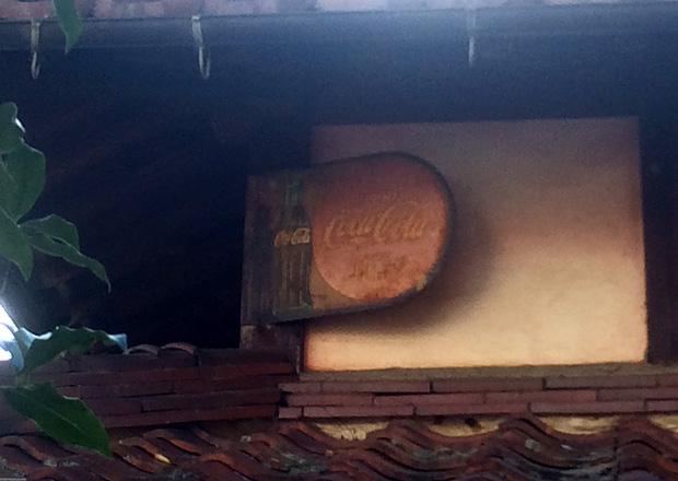 コカコーラの琺瑯看板