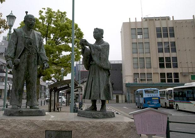 石田三成公の像