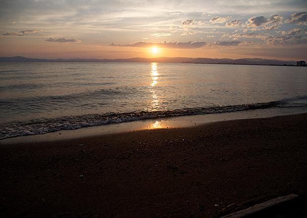 雲のある日の琵琶湖