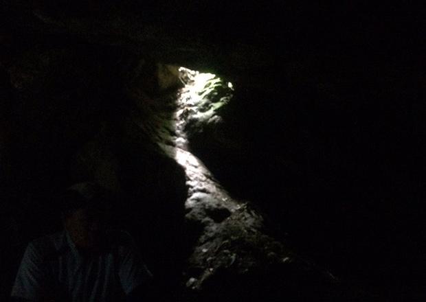 オトチの岩窟の内部