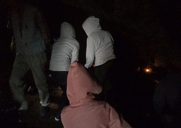 オトチの岩窟の中は意外と広い