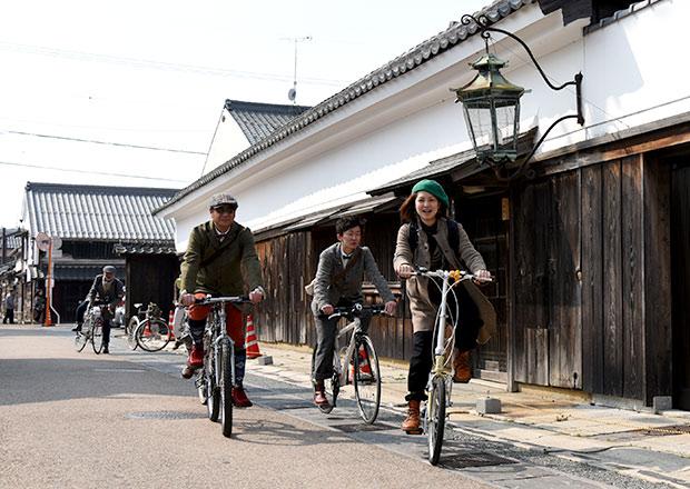 長浜の古い街並みが自転車やツイードを着た人たちと似合う