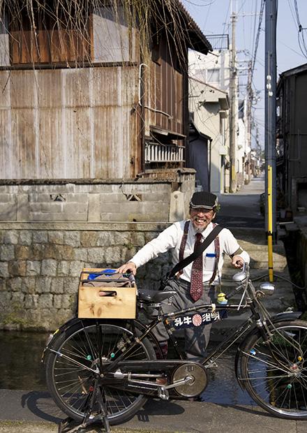 昔の牛乳屋さんの自転車