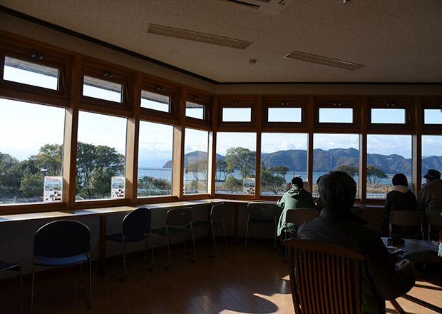 道の駅で楽しむ目の前に広がる琵琶湖の風景