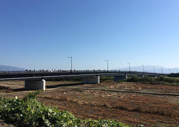 当日開通したばかりの橋長270mのびわ大橋
