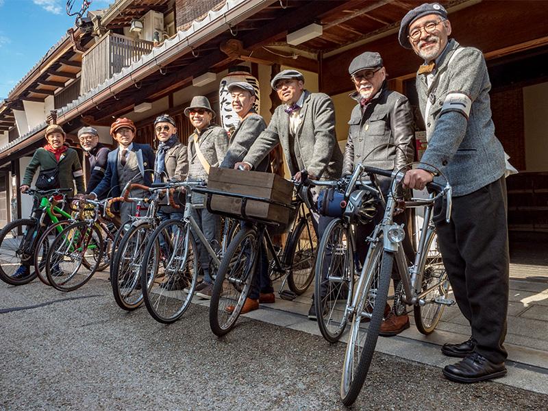 ツイードファッションや自慢の自転車の持ち込みがなくてもOK。