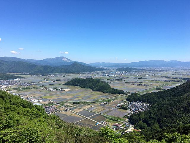 賤ヶ岳の山頂からみる滋賀県湖北地方