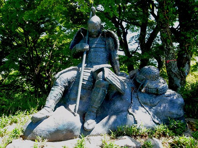 賤ヶ岳の銅像