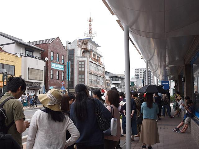 ゴールデンウィークに長浜へ観光に来る人たちは鳥喜多さんへ行きます。