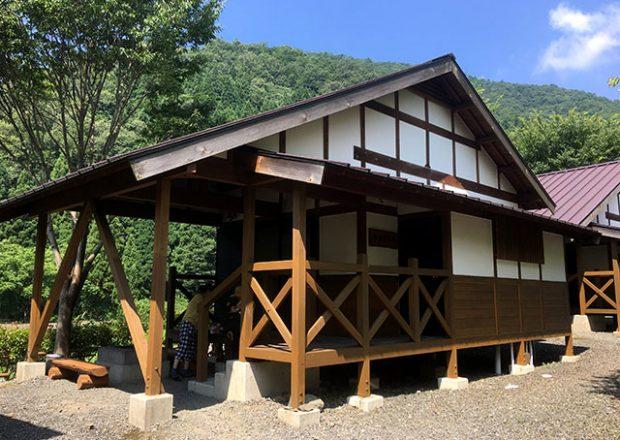"""長浜の""""滝と渓流の高山キャンプ場""""は、川遊びが楽しめる開放的なキャンプ場!"""