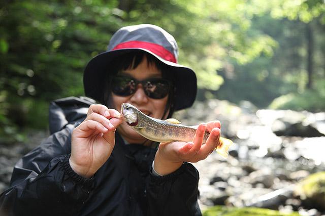 アドバイスを受けたら渓流釣りでいきなり釣れた