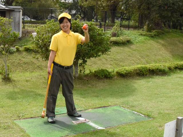 スポーツの森でグラウンドゴルフを楽しむ浅井さん