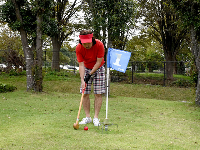 ゴルフで言うカップインは、グラウンド・ゴルフでは枠に入ることを「トマリ」