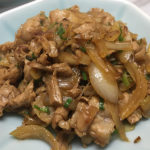 豚肉とタマネギ炒め