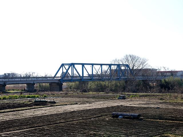 スタンドバイミーの映画に出てきそうな橋