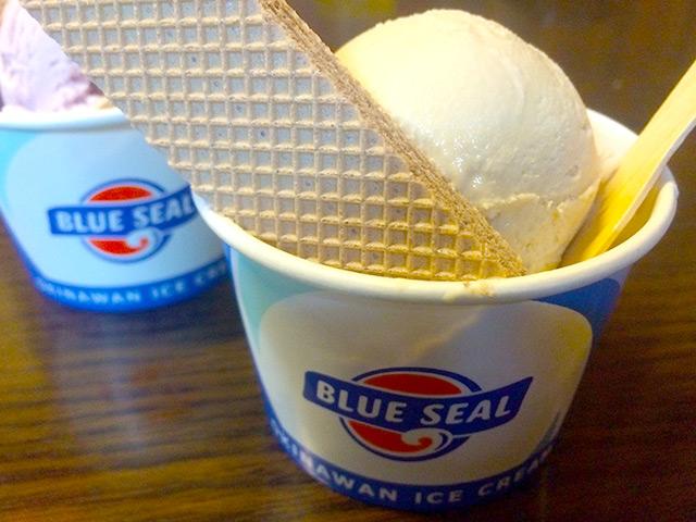 沖縄料理店のデザートと言えばBLUE SEAL(ブルーシール)アイス