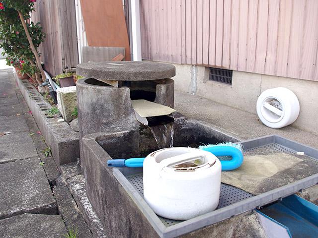どれも現役のようで、長浜には井戸のある光景が残っている