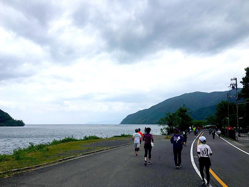 まるで北欧のフィヨルドのような奥琵琶湖の風景