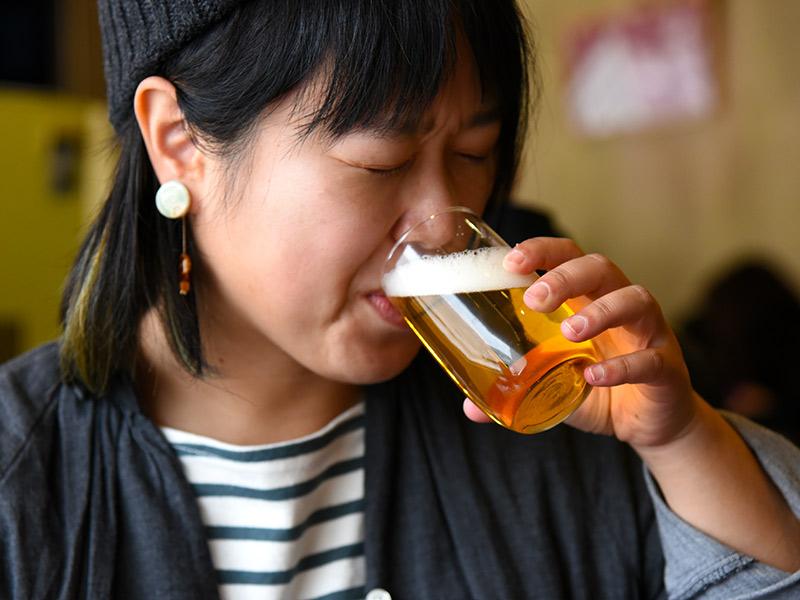 ビールの飲みっぷりが良い
