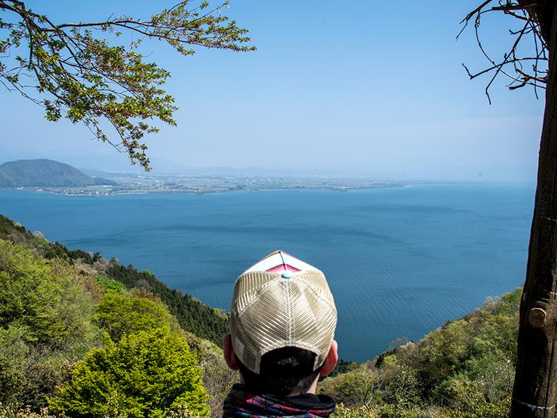 奥琵琶湖パークウェイから眺める琵琶湖の景色は絶景です。
