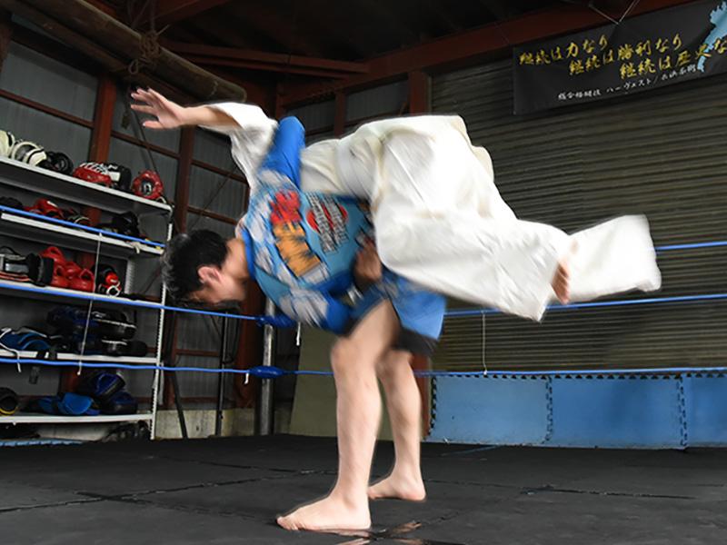 格闘技体験でえ投げられる