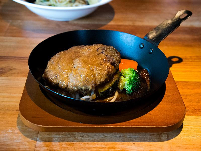 キッチン&バーguuさんのハンバーグがとても美味しい