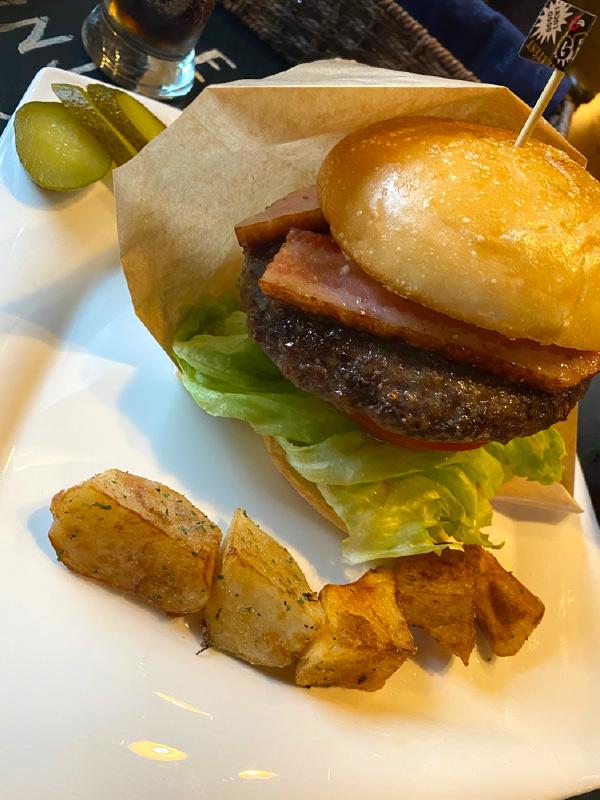 【ピクニックカフェあかつき】長浜の絶品本格ハンバーガーここにあり!