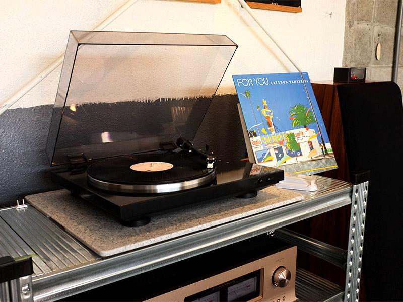 喫茶プカプカへお気に入りのレコードを持参する